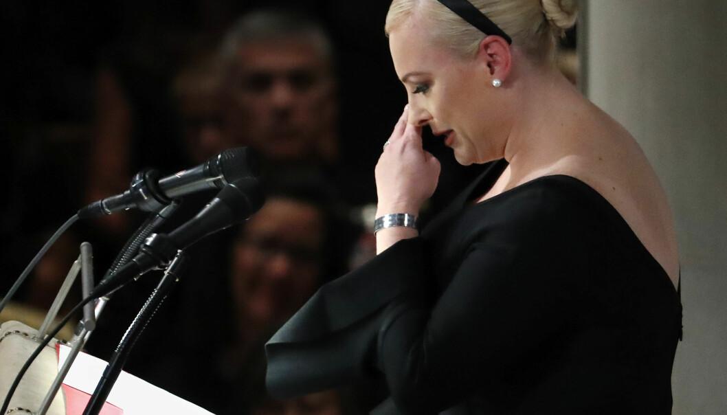 FØLELSESLADD: Minnegudstjenesten i Washington ble innledet av John McCains datter Meghan McCain, som holdt en sterk tale til de oppmøtte. Foto: NTB Scanpix