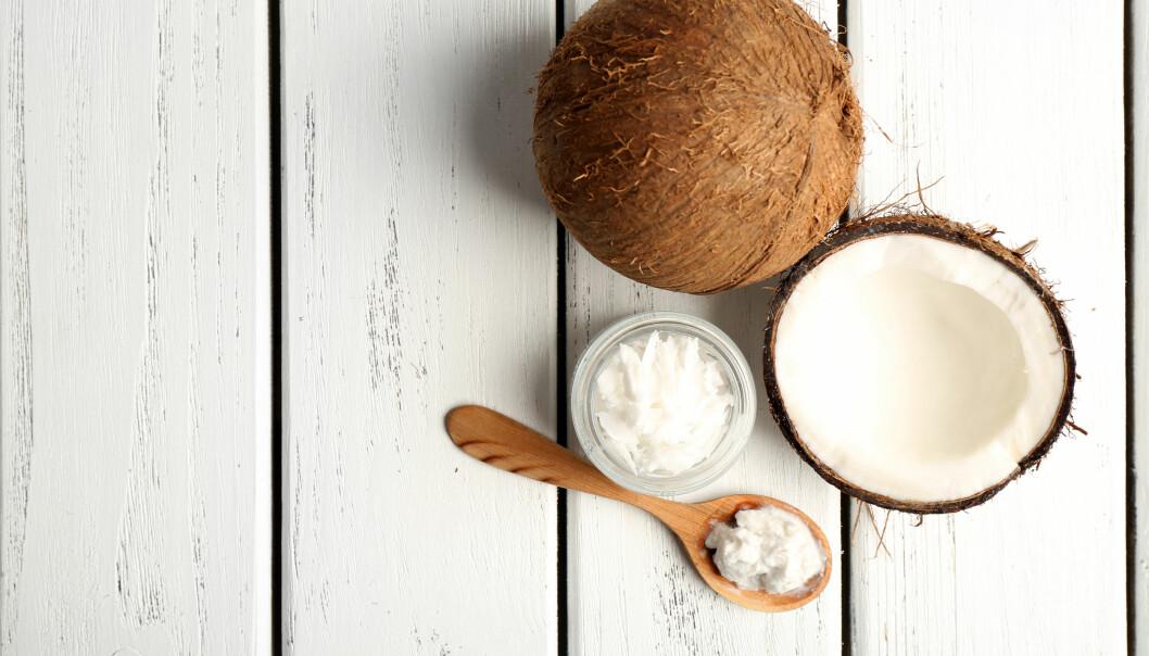 KOKOSOLJE: Det er ikke grenser for hva kokosolje kan brukes til. Men du bør kanskje ikke bruke det i matlaging. FOTO: NTB Scanpix