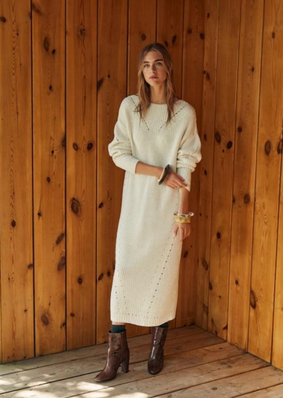 Kjole fra Mango  500,-  https://shop.mango.com/no/damer/kjoler/lang-kjole-med-hullm%C3%B8nster_33085798.html?c=02&n=1&s=nuevo