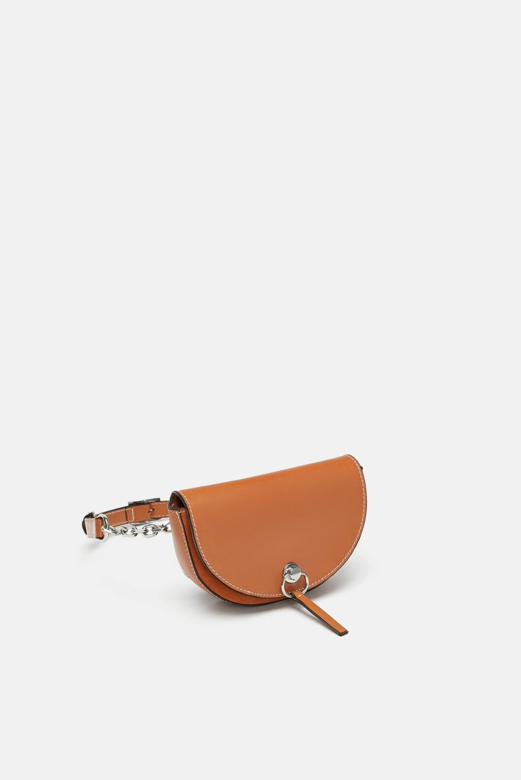 Rumpetaske fra Zara  560,-  https://www.zara.com/no/no/kombinert-rumpetaske-i-skinn-p15676304.html?v1=6963603&v2=1074708