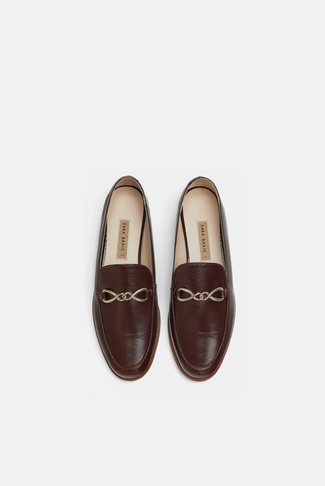 Sko fra Zara  600,-  https://www.zara.com/no/no/mokasin-i-skinn-p16922301.html?v1=6449830&v2=1074625