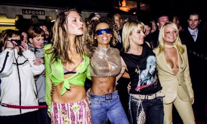 <strong>VERDENSSTJERNER:</strong> Victoria Beckham ble verdenskjent da hun var med i jentegruppen Spice Girls. På samme tid møtte hun ektemannen. Her med Mel B, Mel C og Emma Bunton. Foto: NTB Scanpix
