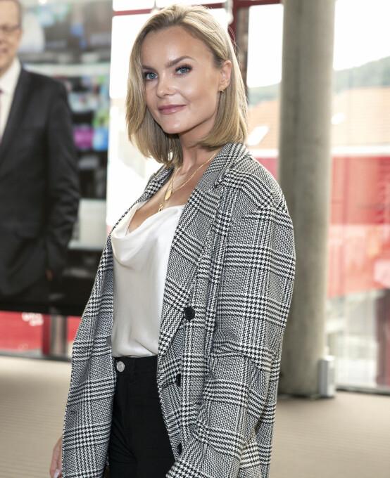 TV-KLAR: Caroline «Fotballfrue» Eriksen var på plass i Bergen for TV 2s høstlansering for halvannen uke siden. Foto: Andreas Fadum / Se og Hør