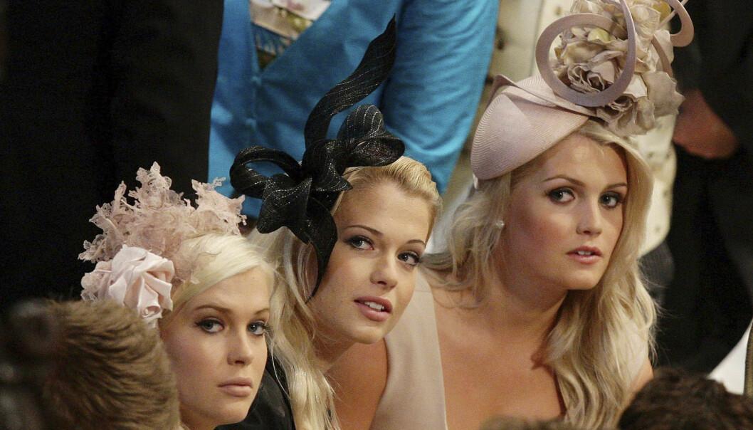 SØSTRE: Lady Kitty Spencer (t.h.) sammen med søstrene Amelia (t.v.) og Eliza i bryllupet til prins William og Hertuginne Kate i 2011. Foto: NTB Scanpix