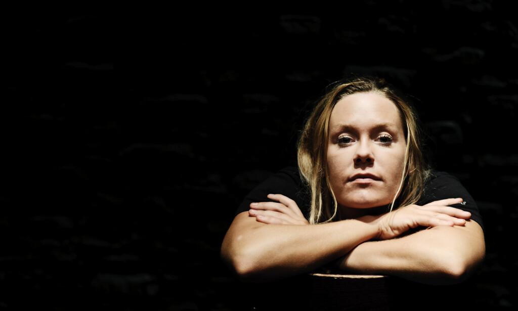 - AVHENGIG AV KVINNER: Den danske komikeren Linda Petersen åpner opp den tunge tida før suksessen. Foto: NTB Scanpix