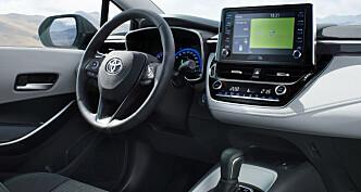 <strong>3D:</strong> Ifølge Toyota blir Corolla Touring Sports verdens første bil med 3D-intrument. Foto: Toyota