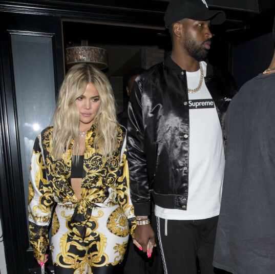 KHLOE KARDASHIAN OG TRISTAN THOMPSON: Det omdiskuterte paret viste seg ute på date i West Hollywood nylig. Foto: Splash News/ NTB scanpix