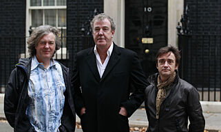 BBC automobile program Top Gear presenters James May (L), Jeremy Clarkson (C) and Richard Hammond pose outside 10 Downing Street in London November 29, 2011. The three had been filming an episode segment in the street.  REUTERS/Suzanne Plunkett (BRITAIN - Tags: POLITICS ENTERTAINMENT TRANSPORT MEDIA)