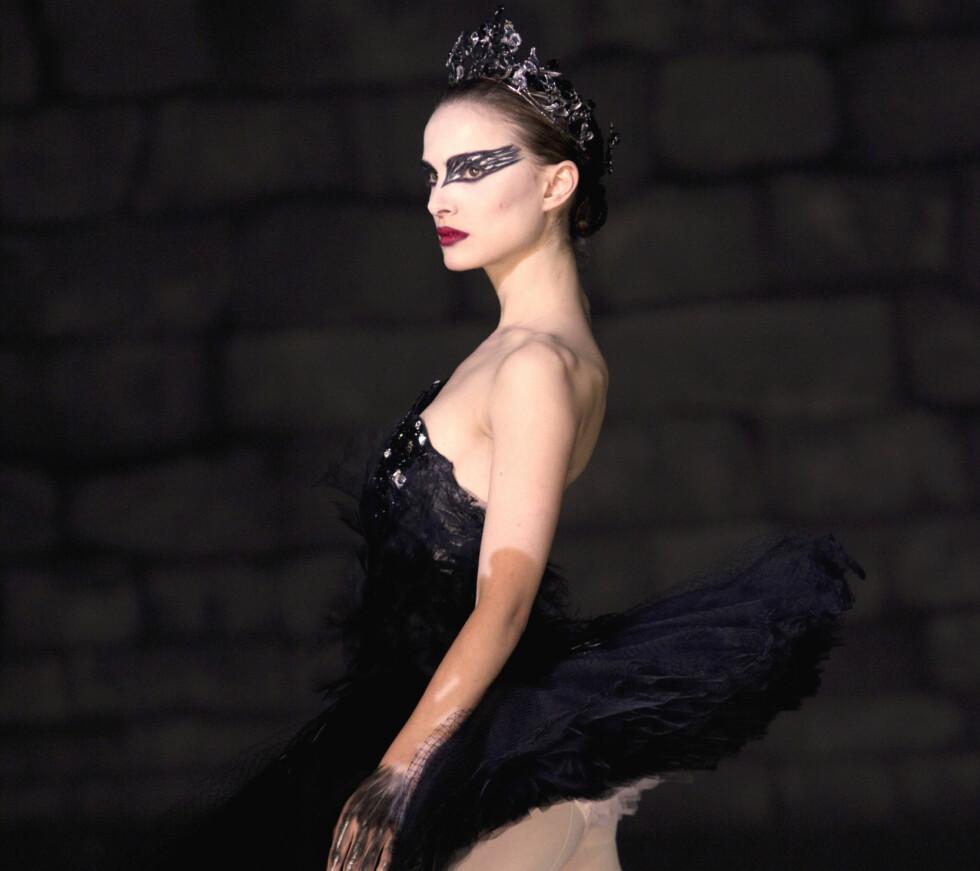 ET PERVERST STED: En ung kvinnelig danser ved New York City Ballet har anmeldt tre mannlige dansere for seksuell trakassering. Hun beskriver institusjonen som et «perverst og kvinnefientlig sted». Bildet er fra filmen «Black Swan», der Natalie Portman spilte en ballettdanser ved nettopp New York-balletten. Foto: Reuters/ NTB scanpix