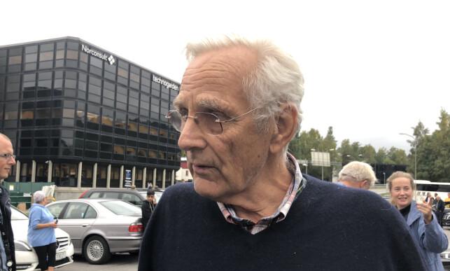 RASER: Anders Heyerdahl (73) raser over bomprisene. Han mener myndighetene bør ta grep. Foto: Ørjan Ryland / Dagbladet