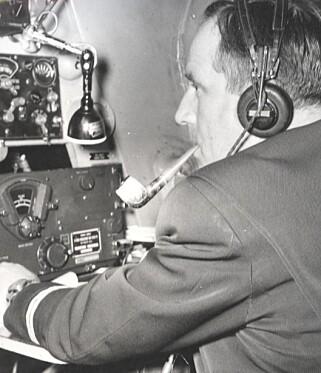 PIPE: Selv i cockpit var det greit med en blås. Foto: SAS/SAS Museet