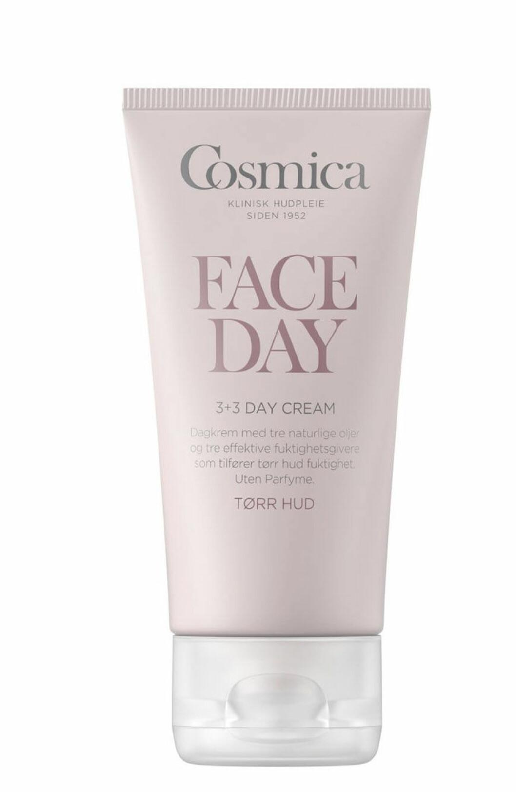 Med vitamin A-derivat og oppstrammende peptider (kr 700, Emma S, Ultimate Night Cream) Vitamincoctail av B, C og E (kr 150, Cosmica, Face Day, Vitalising Day Cream).