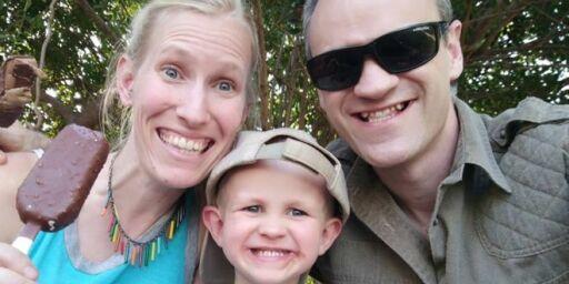 image: Katy (35) og sønnen Finn (3) kritisk skadd etter sjiraffangrep