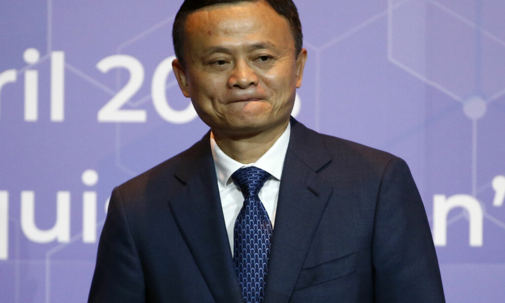 GÅR AV: Jack Ma, her avbildet 19. april i år, blir sittende som styreleder i Alibaba i ett år til. Foto: Sakchai Lalit / AP / NTB scanpix