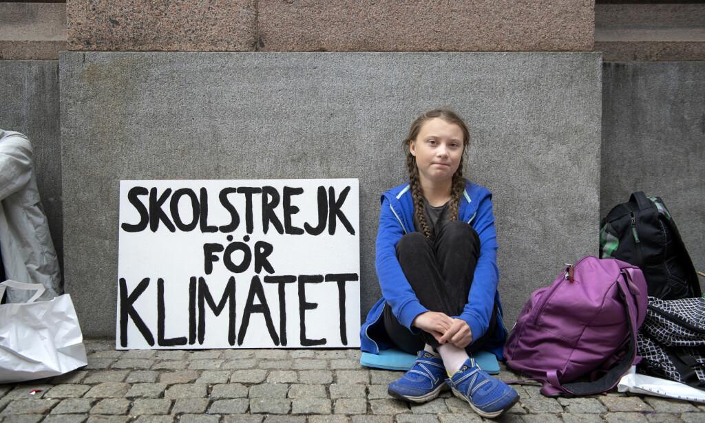 SKOLESTREIKET: Greta Thunberg satt utenfor Riksdagen i Stockholm, hvor hun streiket fra skolen fordi hun ikke synes noen gjør nok for klimaet.