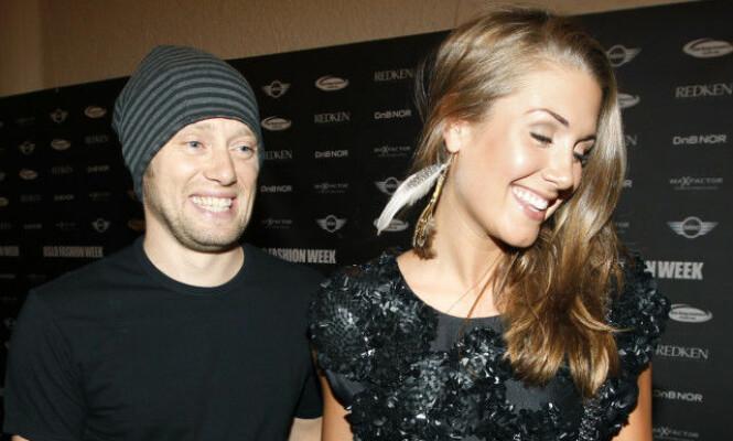 <strong>VAR FORLOVET:</strong> Tone Damli og skuespiller Aksel Hennie var sammen fra 2009 til 2013, og var også forlovet. Artisten har vært åpen om at bruddet mellom den var tøft for henne. Foto: NTB scanpix