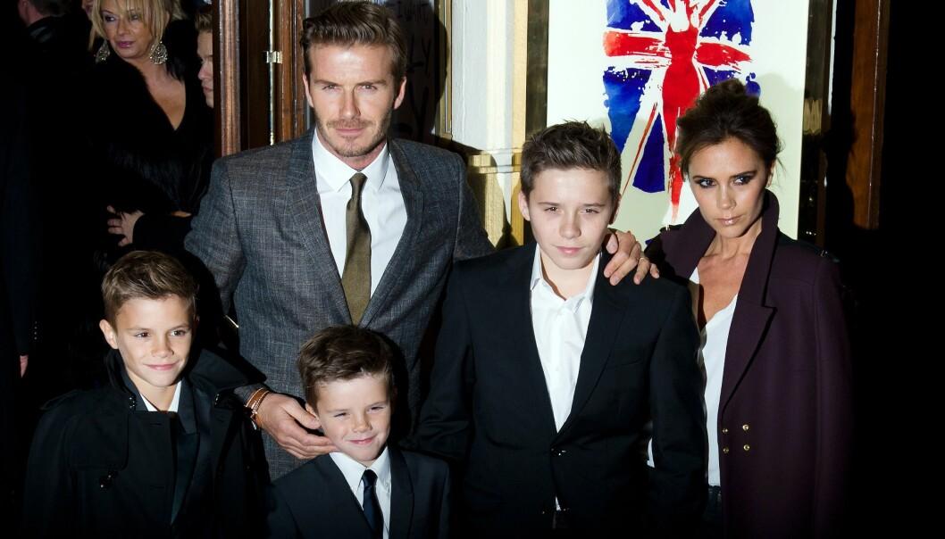 <strong>KJERNEFAMILIE:</strong> Ekteparet har sønnene Romeo (t.v), Cruz (foran) og Brooklyn sammen. De har også datteren Harper sammen. Foto: NTB scanpix