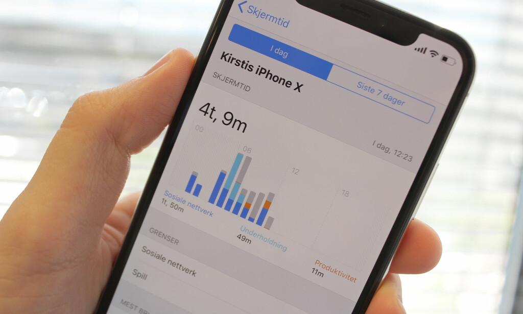 DEN HARDE SANNHETEN: Med Apples nye skjermtid-funksjon kan du få vite nøyaktig hvor mye tid du bruker med din iPhone. Men det er ikke sikkert det er hyggelig lesning. Foto: Kirsti Østvang