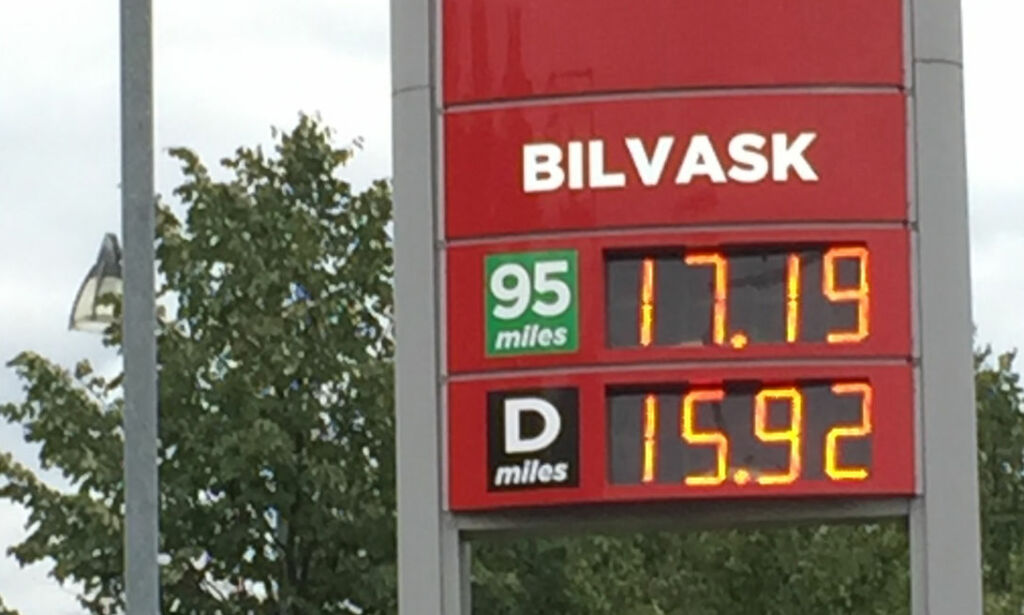 image: Bensinprisen stiger kraftig - kan passere 18 kroner