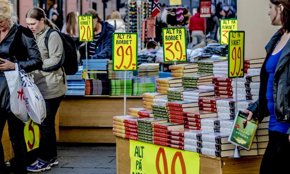 PÅ VERDENSTOPPEN: Den norske fastprisavtalen er den mest liberale i Europa, med en kort fastprisperiode og salgsstedenes mulighet til å gi inntil 12,5 prosent rabatt på nye bøker. Det vil fortsette, skriver innsenderen. Foto: Thomas Rasmus Skaug