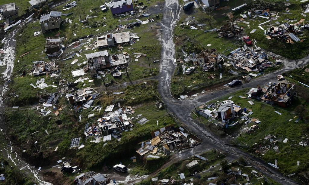 TOA ALTA: Ødeleggelsene i Puerto Rico var store etter orkanen Maria herjet øya i september. Bildet er tatt 28. september i Toa Alta. Foto: AP / NTB scanpix