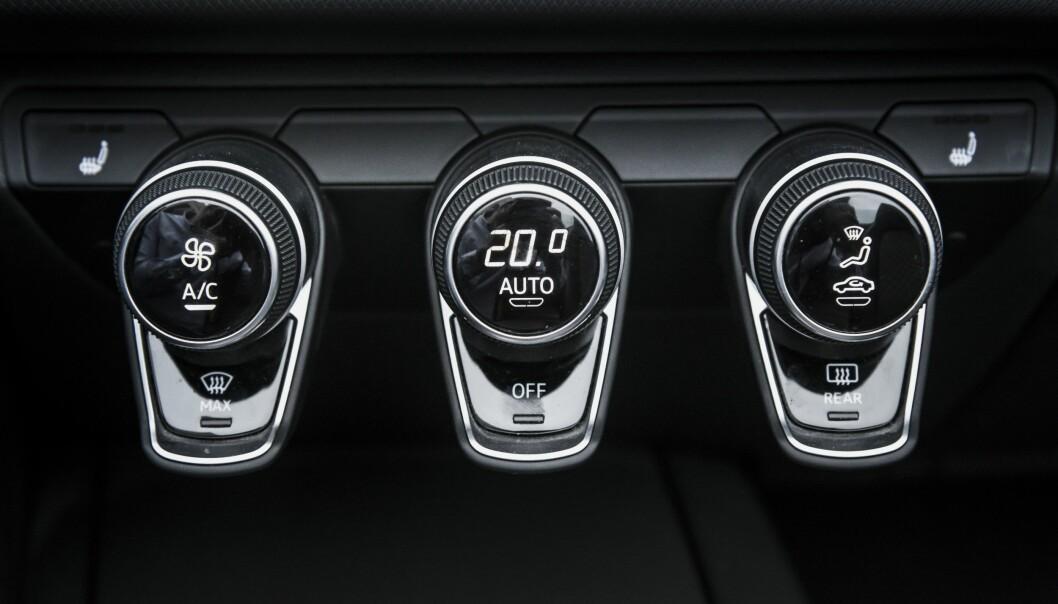 <strong>LEKKERT:</strong> De ser ut som pynt men har minst tre funksjoner hver. Audi er utrolig gode på detaljer. Foto: Jamieson Pothecary