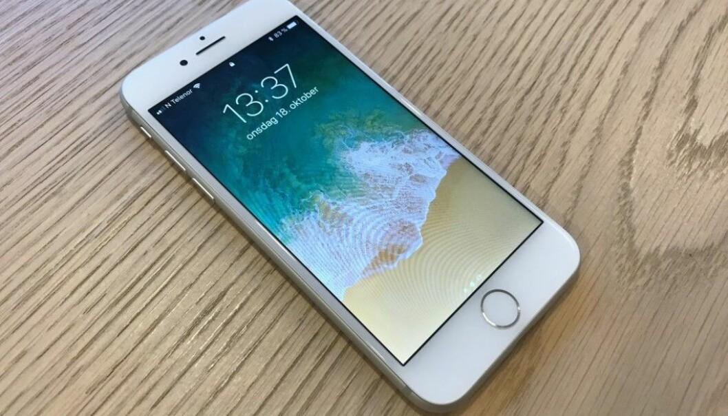 <strong>FORTSATT HJEMKNAPP:</strong> iPhone 8 er den siste toppmodellen fra Apple med hjemknapp. Foto: Pål Joakim Pollen