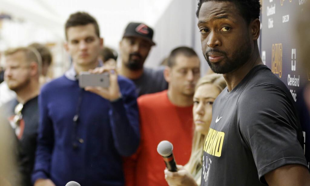 FORTSETTER KARRIEREN: Dwayne Wade. Foto: AP Photo/Tony Dejak