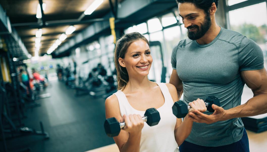 MÅ SPISE NOK: - Kvinner som ønsker å gå opp i vekt og bygge muskler, må ligge i kalorioverskudd. De som ønsker å veie det samme men bytte ut noe av fettet med muskler, kan spise like mange kalorier som de forbrenner, sier eksperten. FOTO: NTB Scanpix