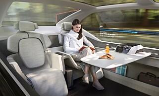 KONTOR OG STUE: Dersom du ikke vil sove, ser Volvo for seg at 360c, som konseptet heter, kan brukes som stue eller mobilt kontor. Foto: Volvo