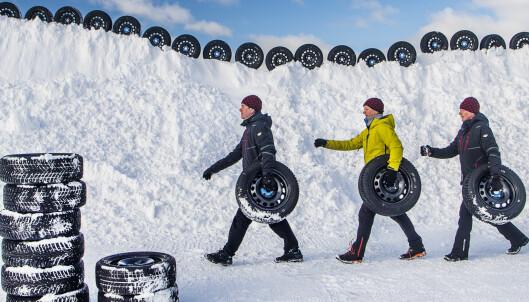 Stor test av vinterdekk med og uten pigger: Vinneren er det beste vi har kjørt på is