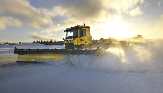<strong>SNØRYDDING:</strong> Brøytebilene skal testes ut fra nyttår. Foto: Avinor