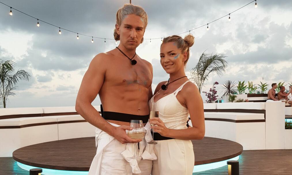 <strong>KJÆRLIGHETEN BLOMSTRER:</strong> Andreas Kronheim og Silje Bjørnstad Andersen har fått varme følelser for hverandre under innspillingen av «Love Island». Foto: TV3