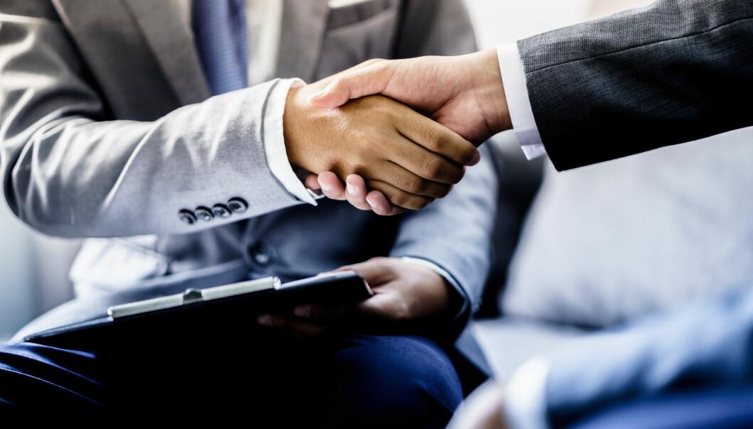 <strong>JOBBLÅN:</strong> Du kan låne penger av arbeidsgiveren din, og dette kan lønne seg for deg med høy kredittkort- og forbruksgjeld, ifølge Reitan i Nordea. Foto: Shutterstock/NTB Scanpix.