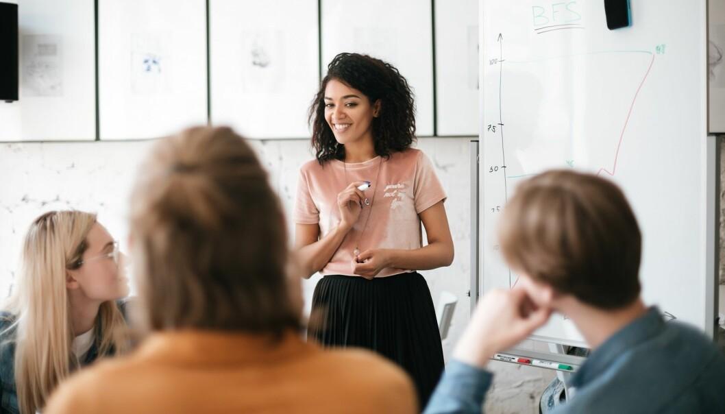 <strong>NERVER:</strong> Å snakke foran en forsamling er faktisk noe de fleste av oss synes er skummelt. FOTO: NTB Scanpix