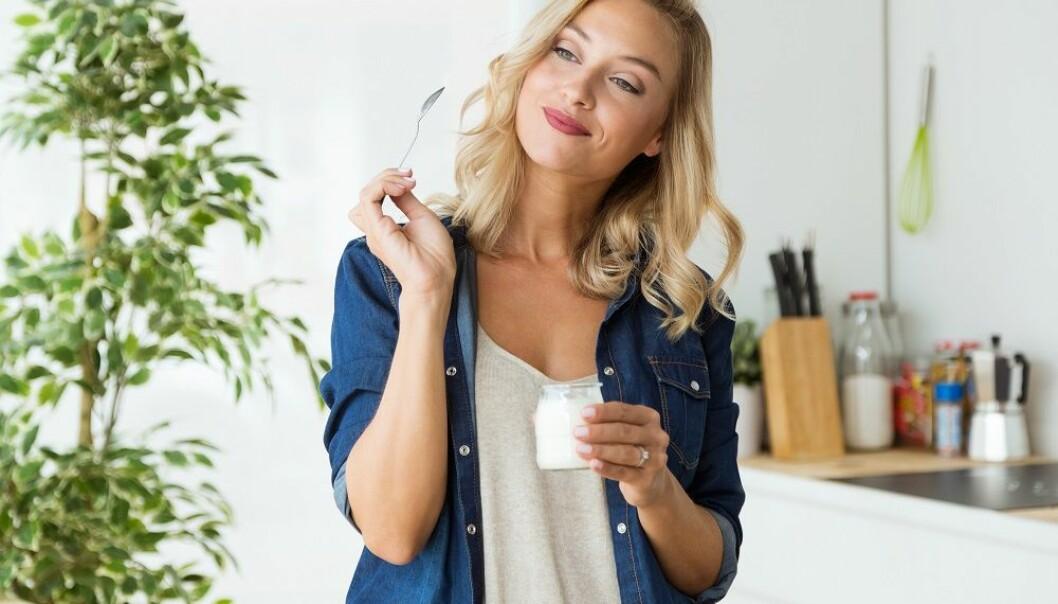 SUKKER I YOGHURT: Eksperten forteller at det finnes tre typer sukkerkilder i yoghurt. FOTO: NTB Scanpix