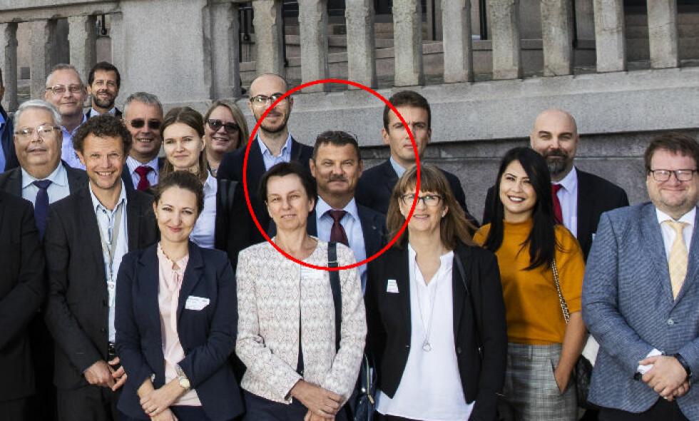 ARRESTERT: Mikhail Botsjkarev (51) ble pågrepet av Politiets sikkerhetstjeneste (PST) fredag. Her er han fotografert foran Stortinget. Foto: Stortinget.