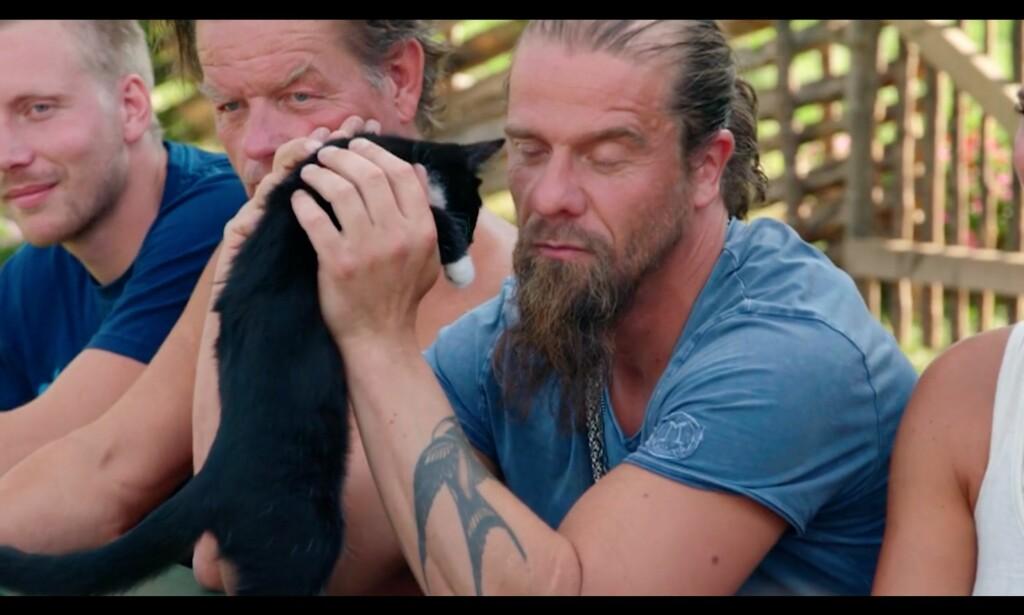 «Katta sier at jeg aldri må fortelle ferdig den historien om løvene i Afrika, så da må det nesten bli sånn. Sorry-borry, katta bestemmer, folkens.» Foto: TV2