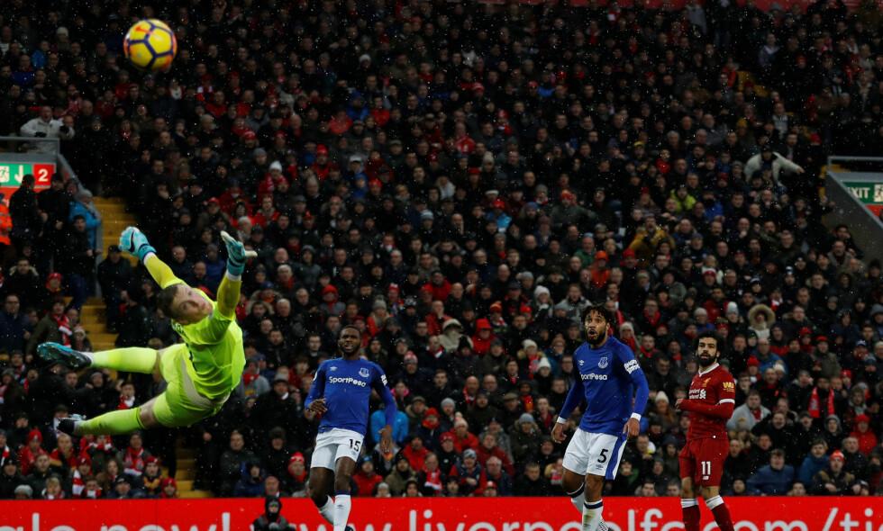 ÅRETS MÅL: Mohammed Salahs scoring mot Everton ble kåret til årets mål. Foto: Reuters/Lee Smith/NTB Scanpix