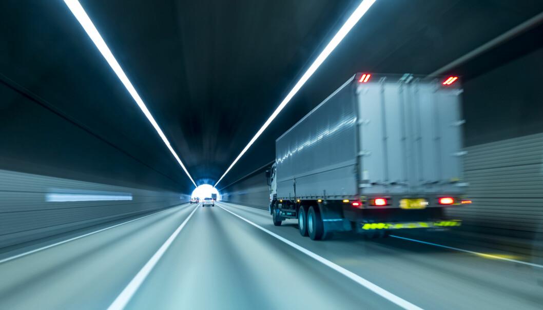 <strong>UTSETTER AVGIFTER:</strong> Byråder utsetter lastebilavgifter på ubestemt tid. Foto: Shutterstock