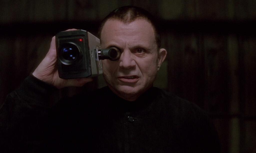 MYSTERY MAN: Robert Blake spiller denne intense karakteren i «Lost Highway». Foto: October Films / CiBy 2000