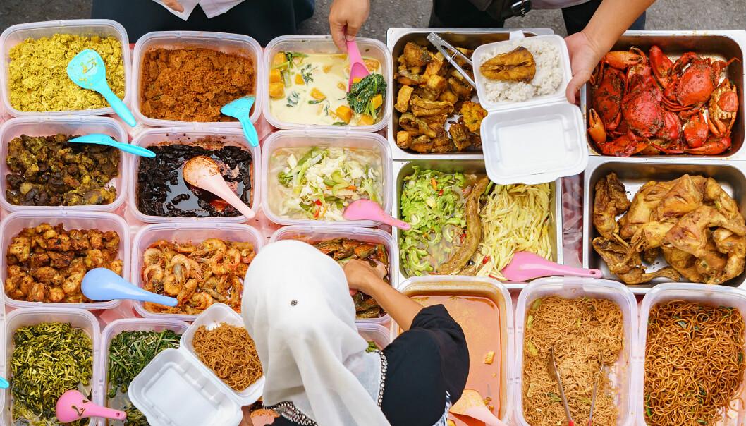 LOKAL MAT: Et av Mette Solberg Fjeldheims beste råd til deg som vil reise ansvarlig, er å sørge for å legge igjen penger lokalt – for eksempel i form av å spise på lokale restauranter og utsalgsboder, og kjøpe lokalproduserte varer med hjem. FOTO: Scanpix