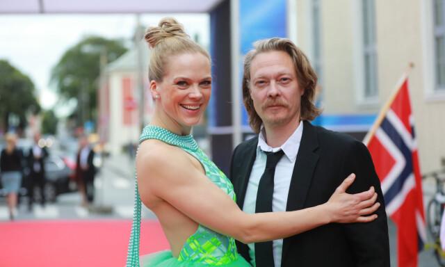 43f5cc8c GLAMORØS: Ingunn Birkeland er stolt av at skuespiller Ane Dahl Torp brukte  to av hennes