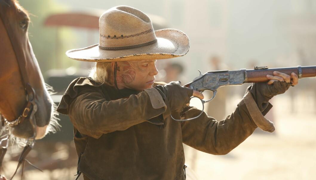 SUKSESS: Ingrid Bolsø Berdal spiller rollen som den fryktløse banditten Armistice i den populære HBO-serien Westworld. FOTO: HBO