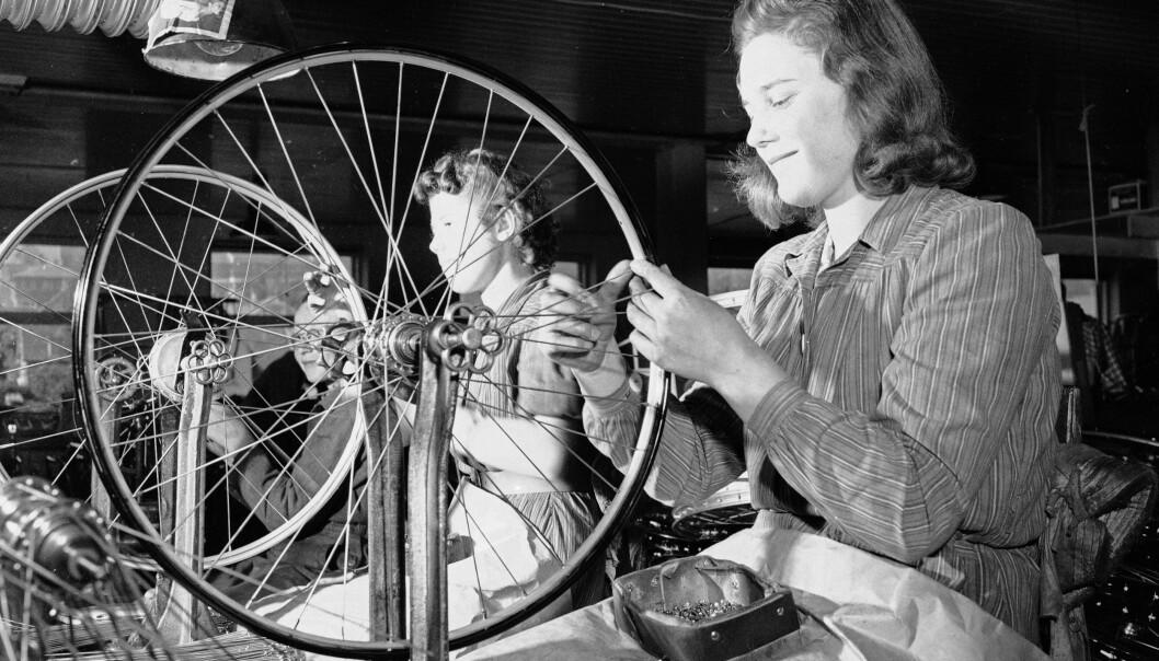 <strong>Mange avdelinger:</strong> Øglænds sykkelfabrikk var delt opp i mange avdelinger som tok seg av hvert sitt ledd i sykkelproduksjonen. Foto: Sverre A. Børretzen / Aktuell / NTB Scanpix