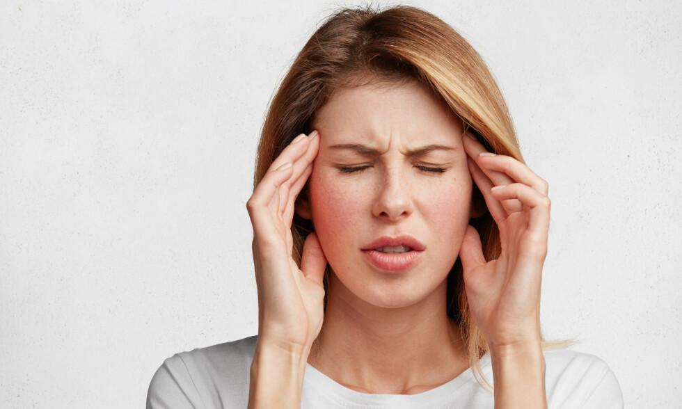 IKKE UVANLIG: «Øyemigrene» er en ganske vanlig tilstand. Mellom fem og 20 prosent av menn og 15 til 40 prosent av kvinner kan oppleve migrene i løpet av livet. Foto: Scanpix/Shutterstock
