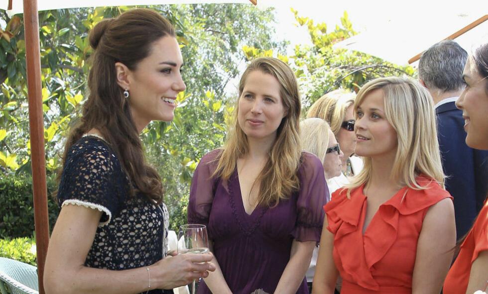 KONGELIG MØTE: Hollywood-stjernen Reese Witherspoon fikk muligheten til å møte hertuginne Kate av Cambridge på et arrangement for syv år siden. Foto: NTB Scanpix