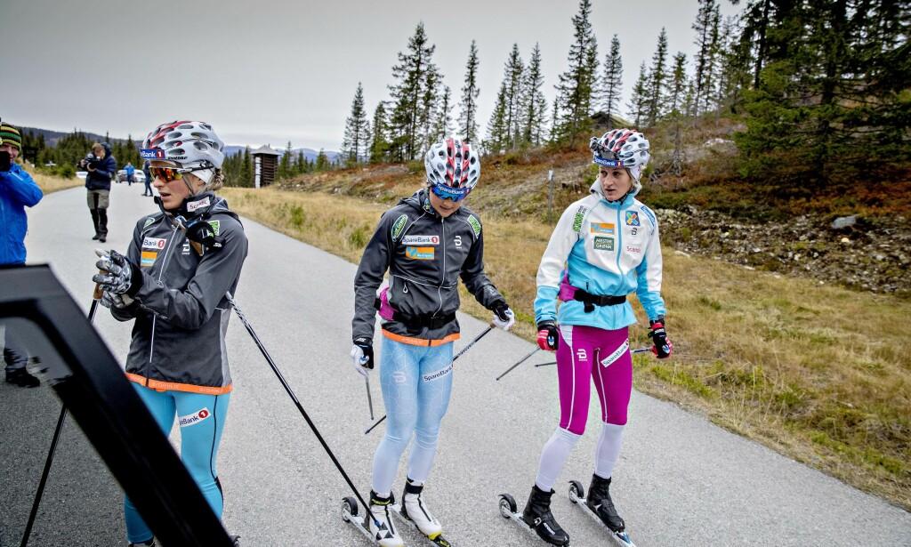 TAKHØYDE: Kathrine Harsem mer takhøyden er bedre hos skijentene på landslaget nå, men har gitt opp å diskutere med trener Ole Morten Iversen. Foto: Bjørn Langsem / Dagbladet