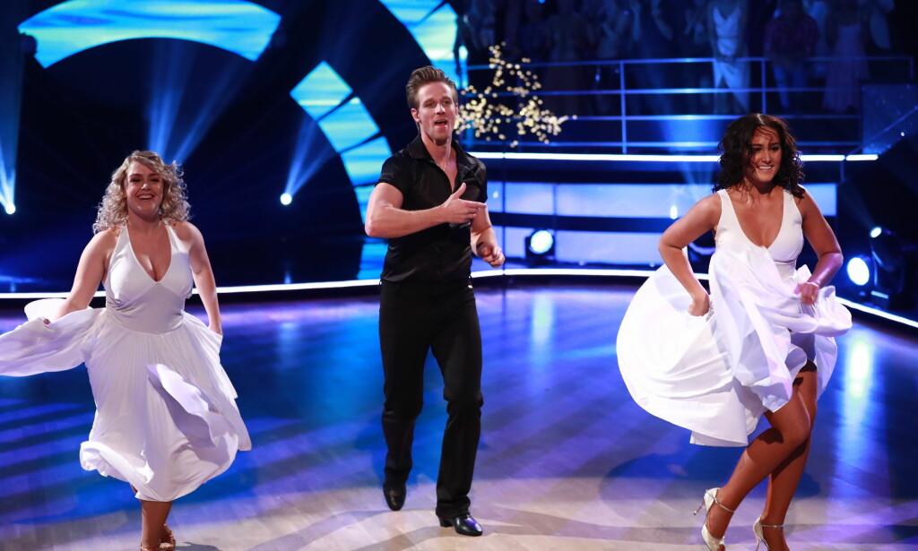 SØSKENFLOKKEN: Jan Gunnar og Rikke fikk med seg en ekstra danser i store deler av koreografien, som symboliserte Jan Gunnars søskenflokk. Foto: NTB Scanpix