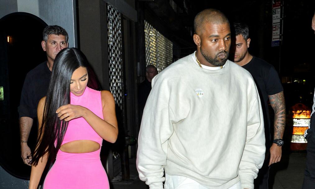 NAVNBYTTET: Den profilerte rapperen bytter nå navn fra Kanye til Ye. Her sammen med kona Kim Kardashian West. Foto: NTB Scanpix